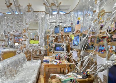 Indoor Van Gogh Altar (1)